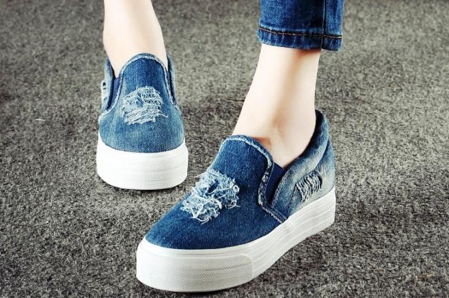 Джинсовая обувь- отличный летний вариант