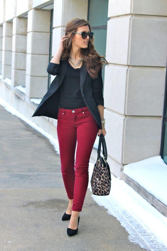 Если говорить о моделях, то все то, что вы носите с любыми другими джинсами, уместно и здесь