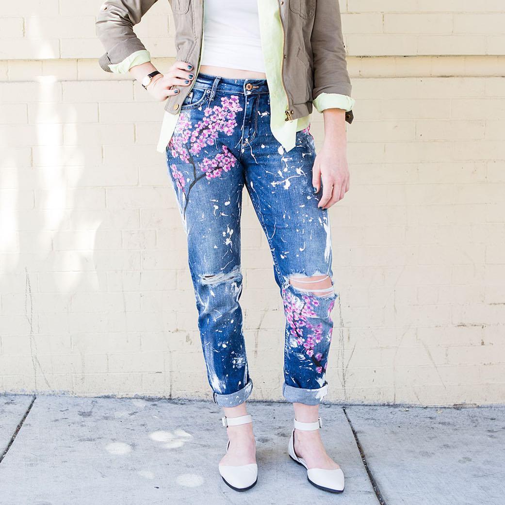 Как украсить свои старые джинсы