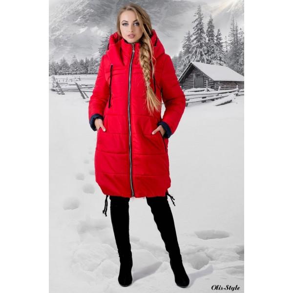 Красная длинная куртка