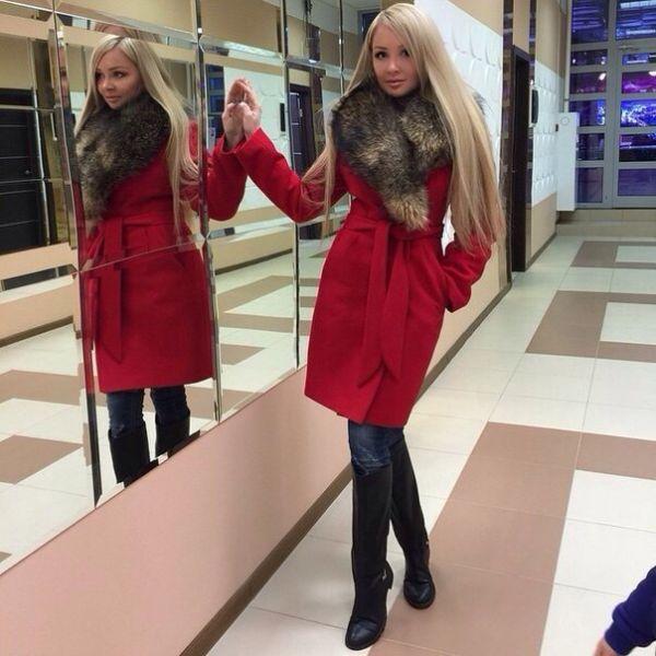 Красное теплое палто для зимы