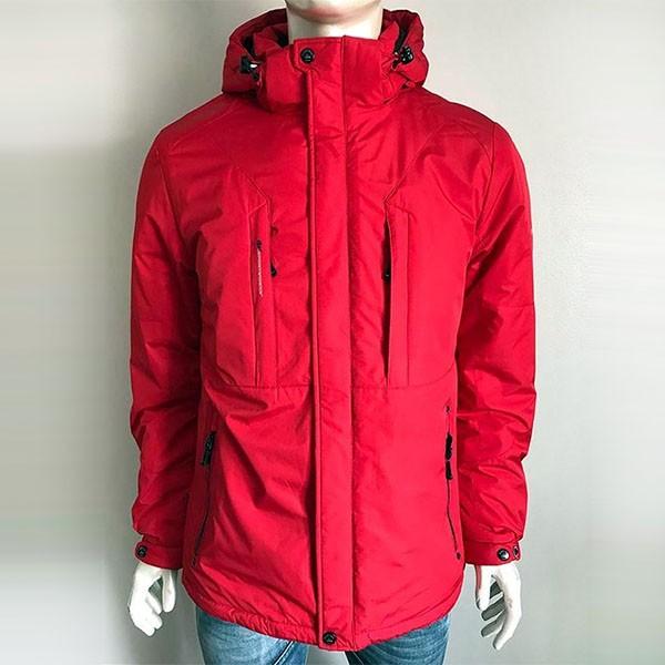Красный цвет верхней одежды