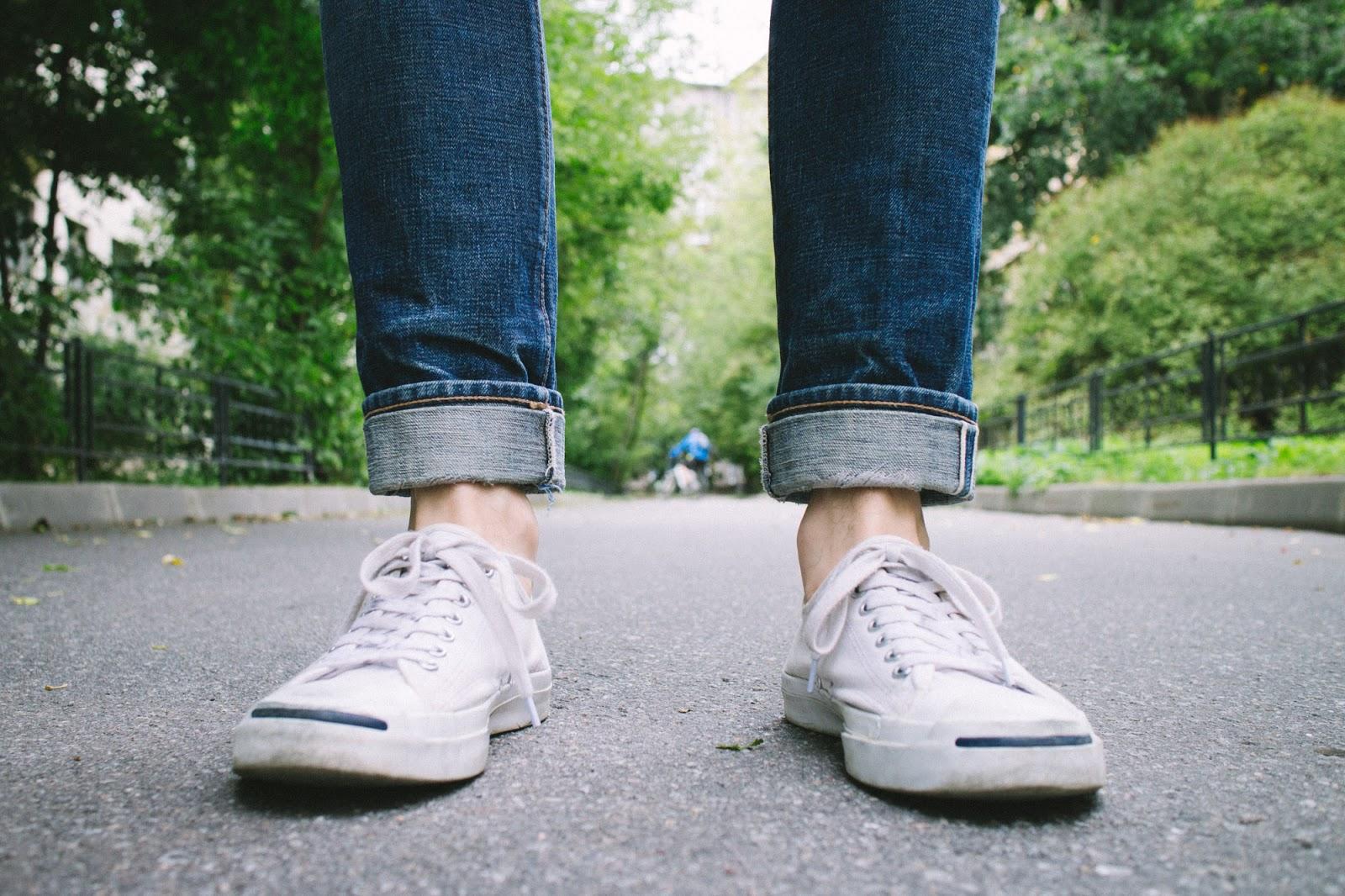 Небольшие производители джинсов часто разделяют размеры лишь по ширине