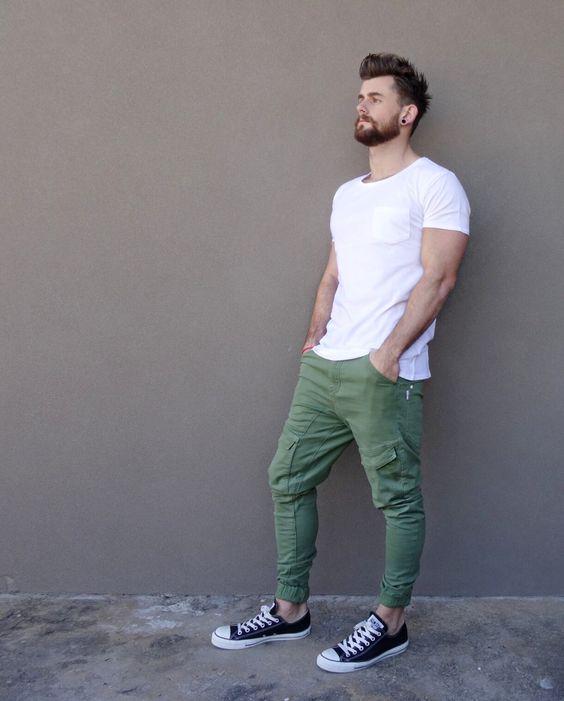 Оливковые джинсы