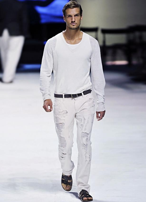 Потертые белые вещи для парня