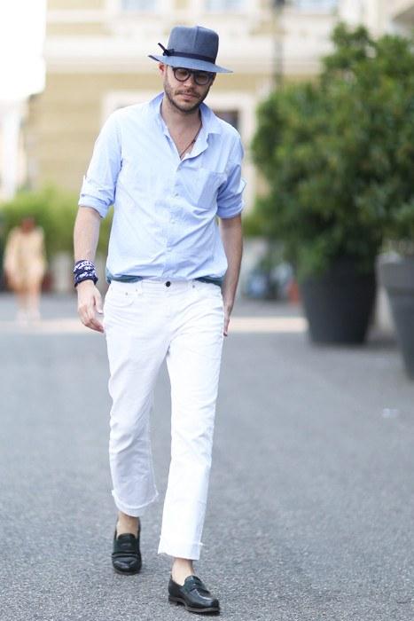 С чем носить белые джинсы летом и зимо
