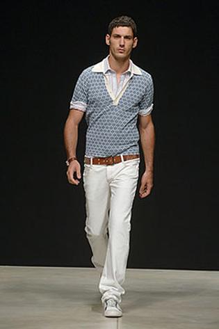 Сезон для мужских белых джинсов