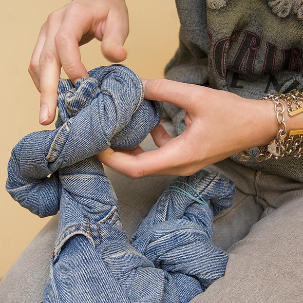 Скручиваем джинсы