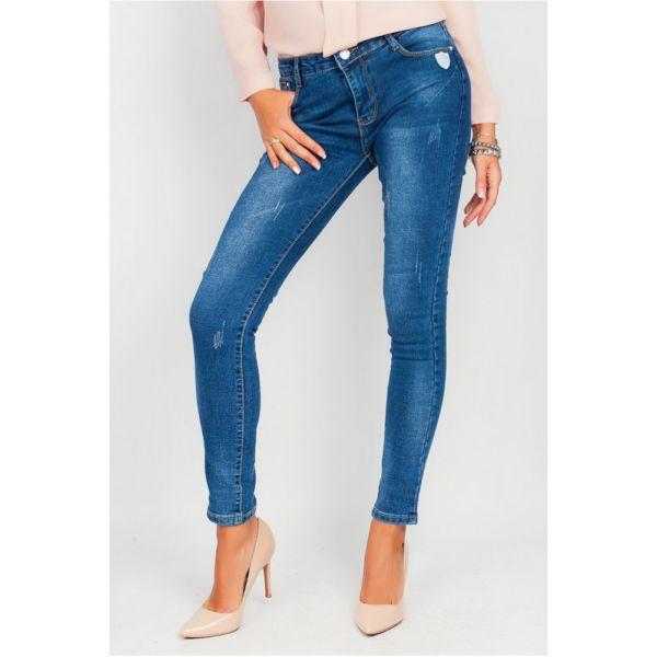 Стильные потертые джинсы