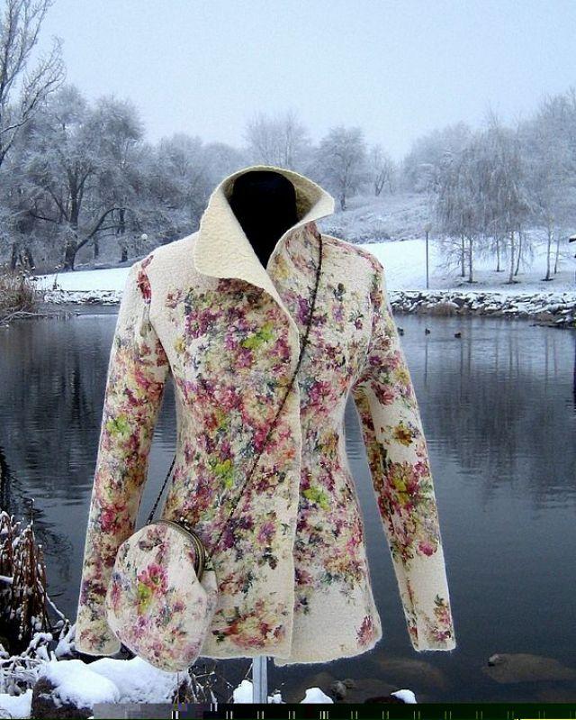 Цветочный принт пальто
