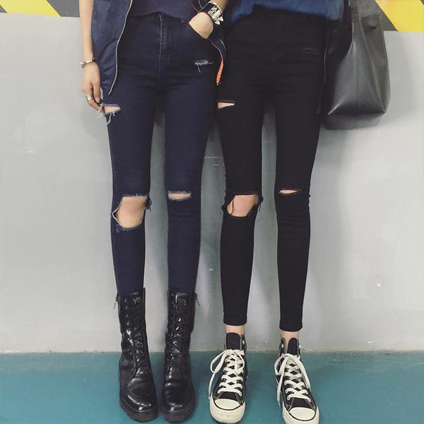 Темный джинс