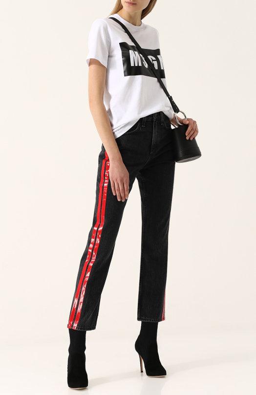 Укороченные джинсы с контрастными лампасами
