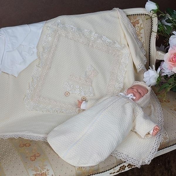 Вязаная современная одежда для новорожденных