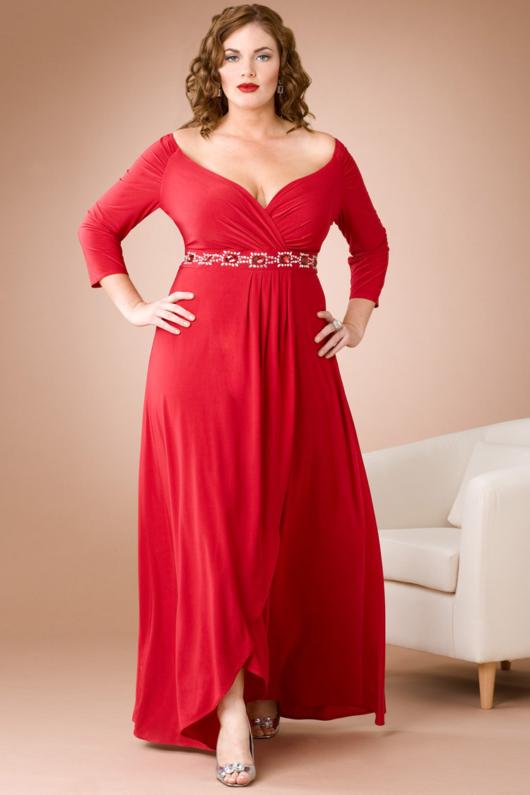 Алое платье