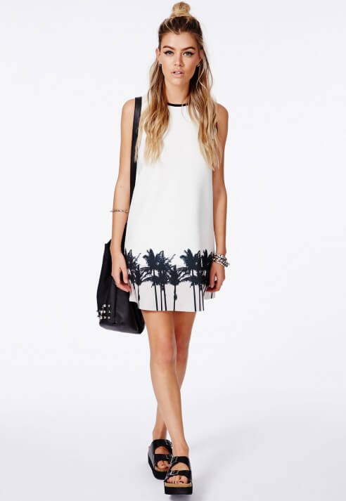 Белое мини-платье без рукавов с тропическим принтом