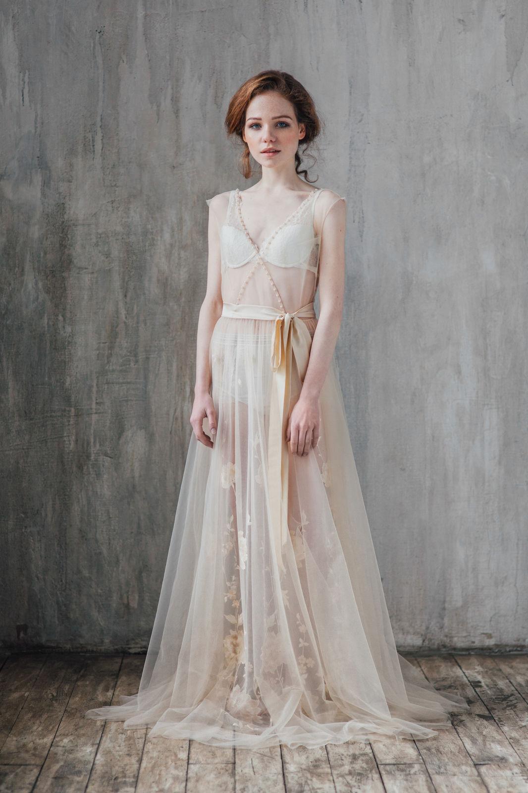 Бежевое платье для свадьбы