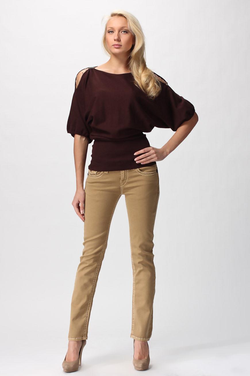 Бежевые брюки и джинсы