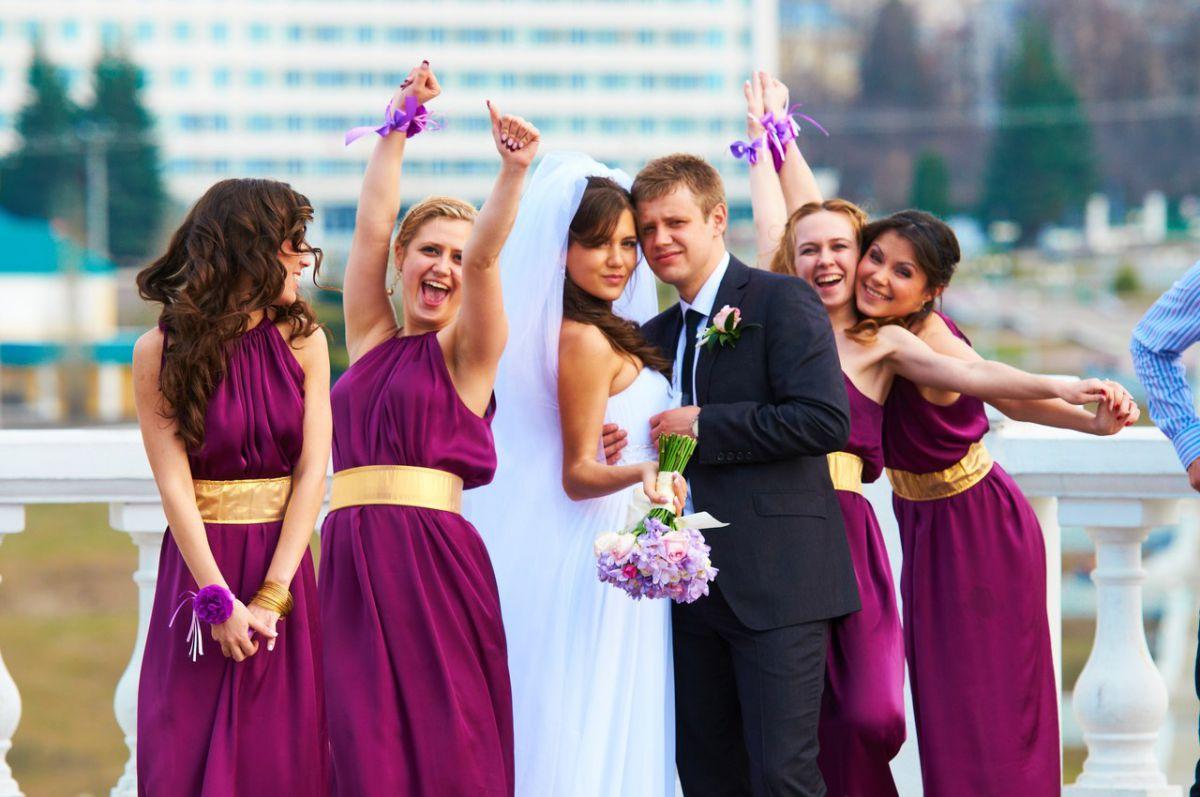 Бордовое платье для подружки невесты