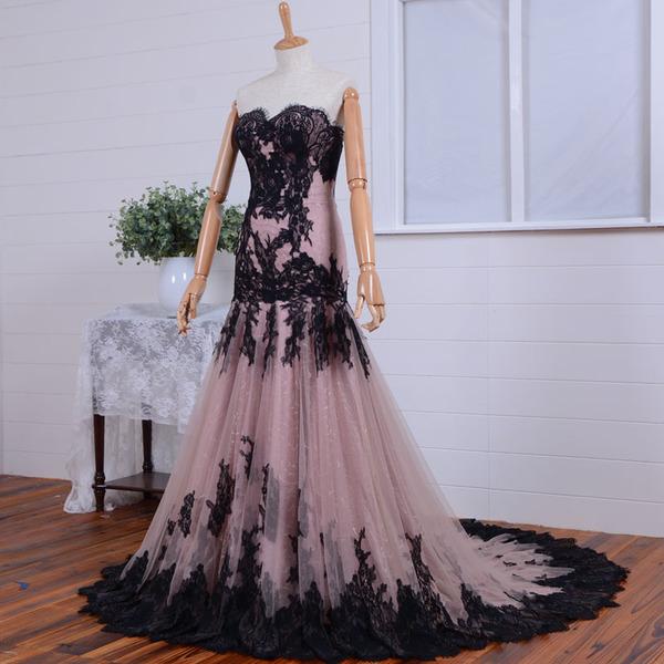 Черно-розовый наряд