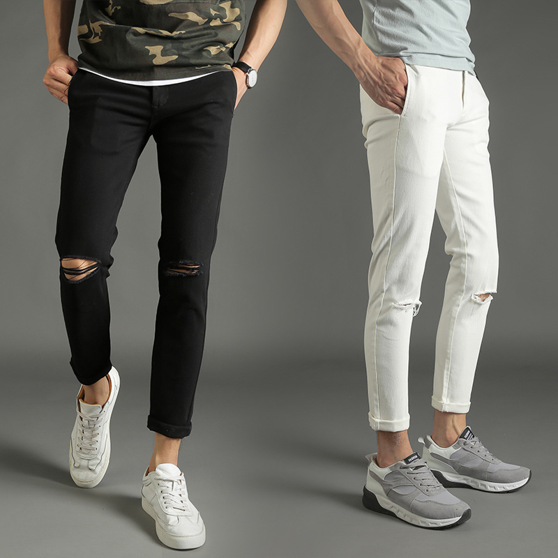 Черные и светлые штаны