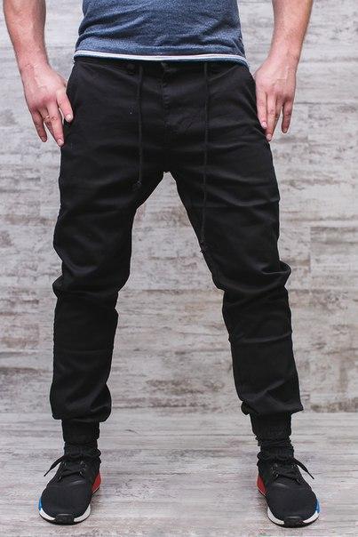 Черные штаны на завязках