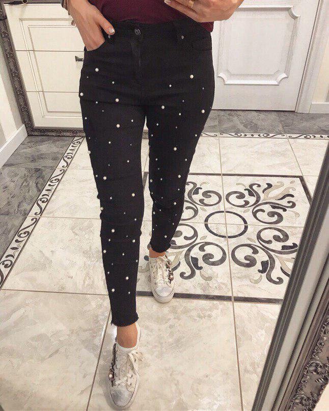 Черный оттенок одежды