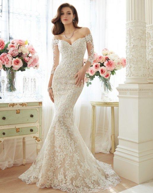 Декольте свадебного платья