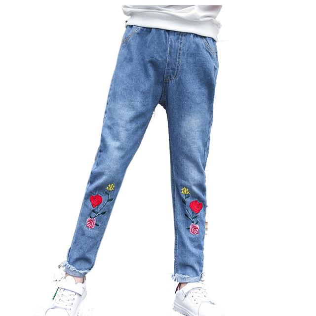 Делаем прорези на джинсах своими руками