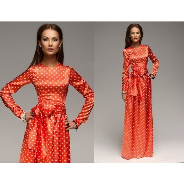 Длинное платье красное горошек