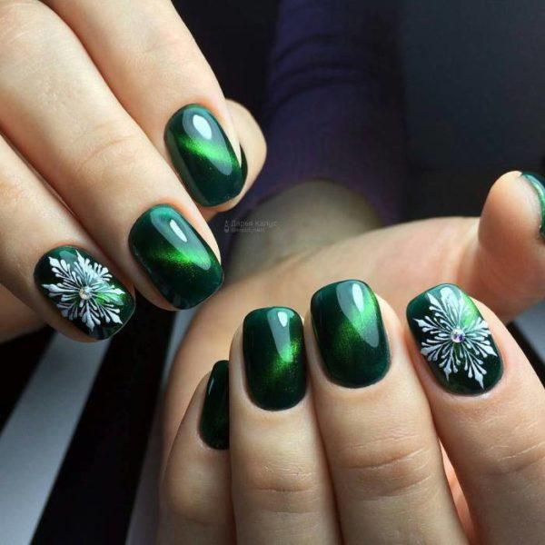 Для платья зеленого цвета