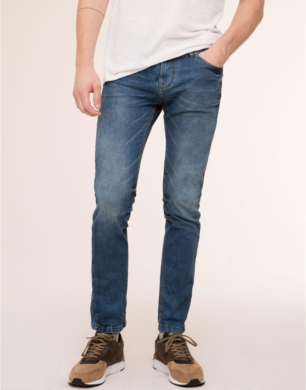 Эффекты потертости на модных джинсах