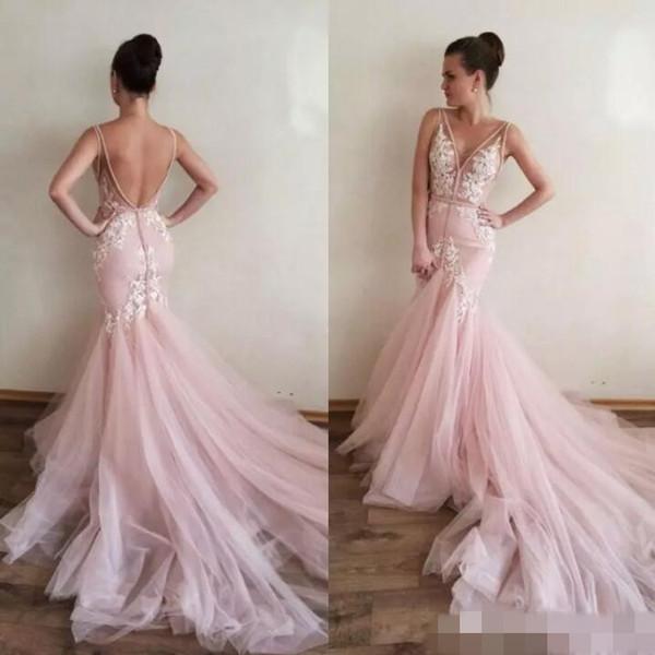 Фасон светло-розовых свадебных платьев-русалок