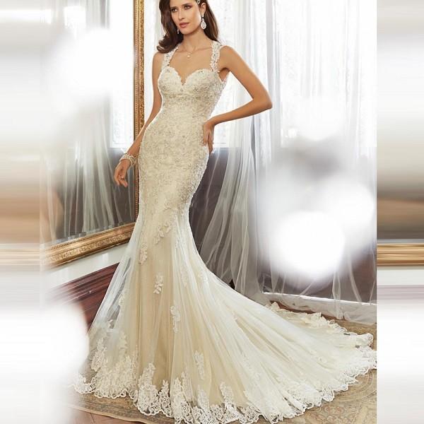 Фото кружевного свадебного платья «рыбка» со шлейфом