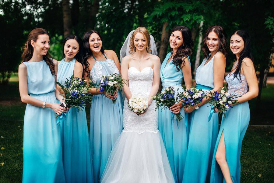 Где взять одинаковые платья подружкам невесты