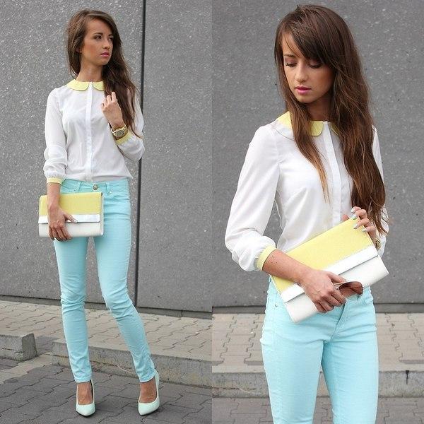 Голубые красивые брендовые джинсы
