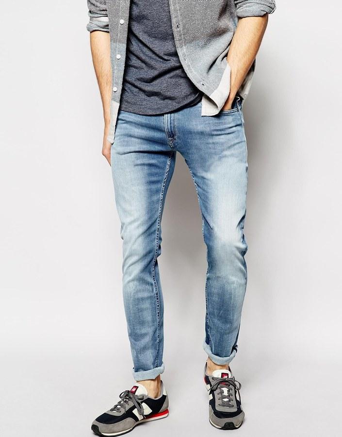 Голубой цвет одежды