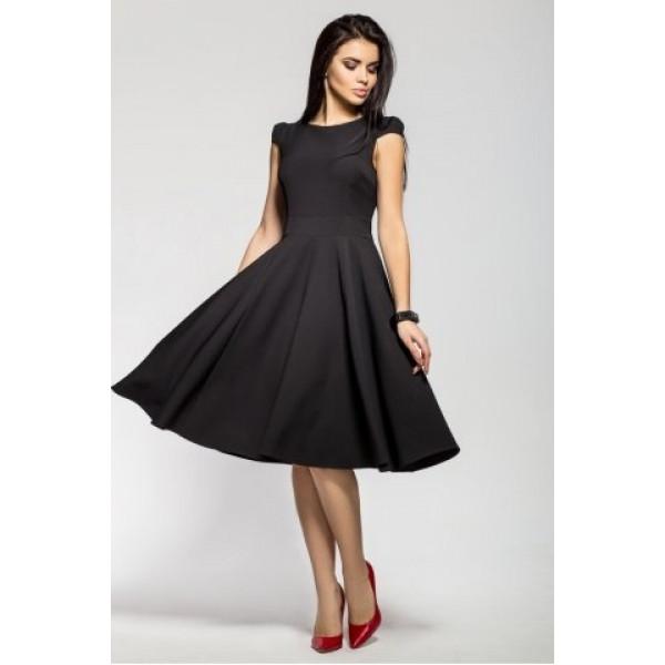 Изящное и простое платье