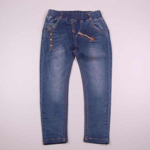 Как выбрать модные джинсы для ребенка