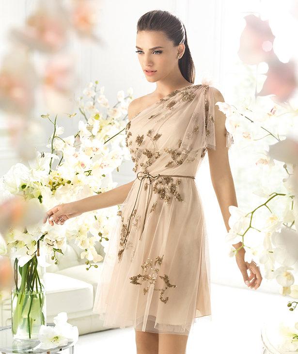 Коктейльные платья приталеные