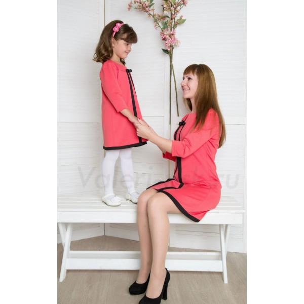 Коралловая одежда для девушек