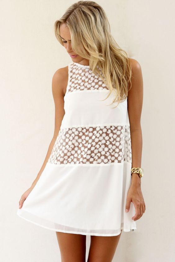 Короткое платье со вставками