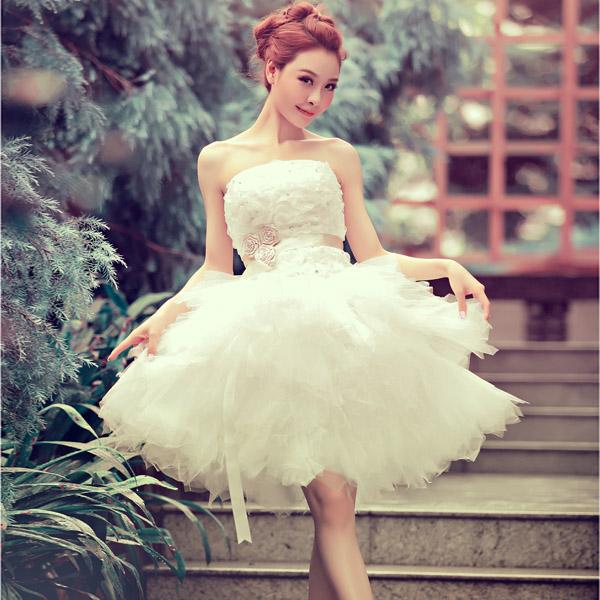 Короткое платьеце