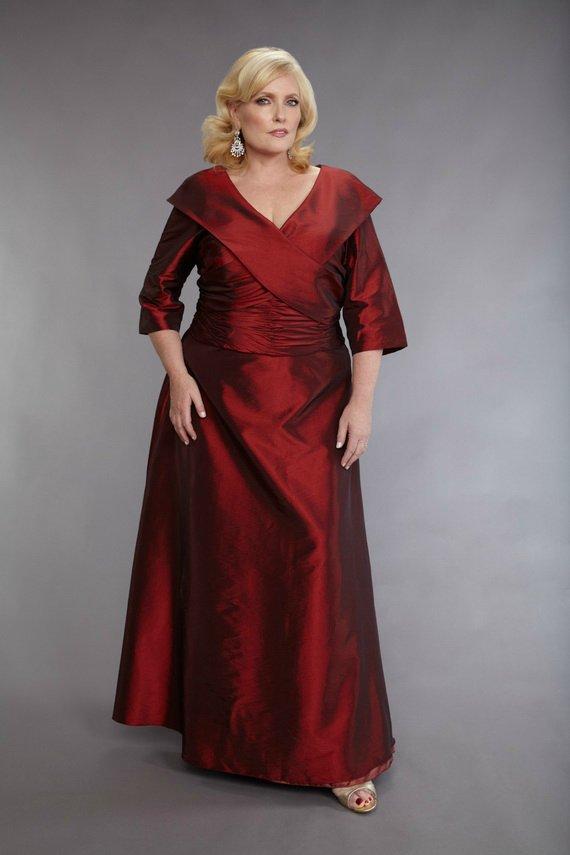 Красивые платья на размер плюс