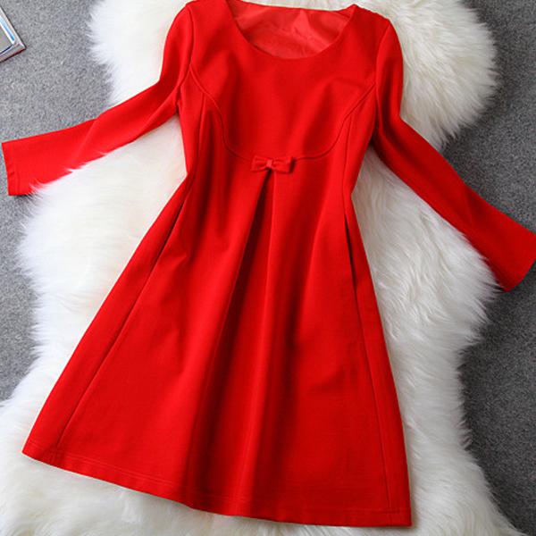 Красный цвет летней одежды