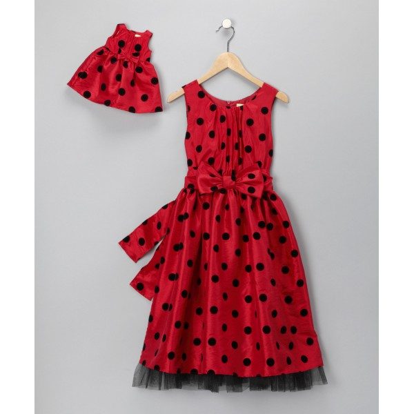 Красный цвет одежды