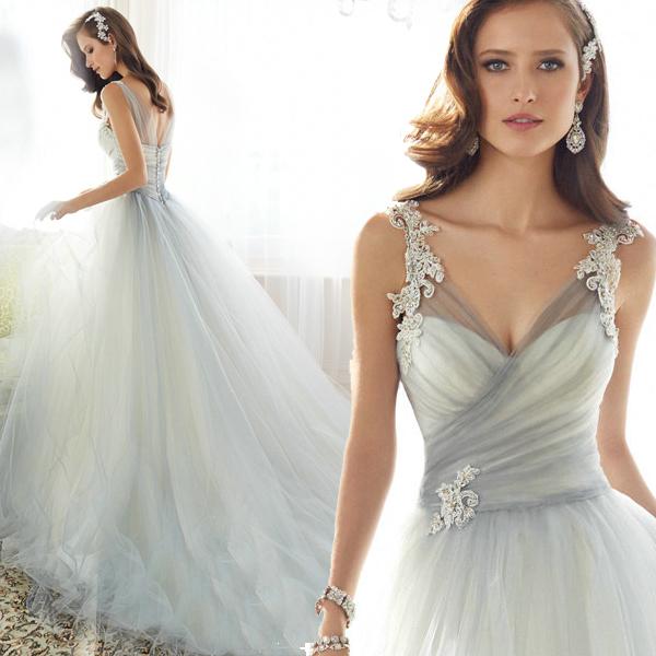 Кружева свадебного платья