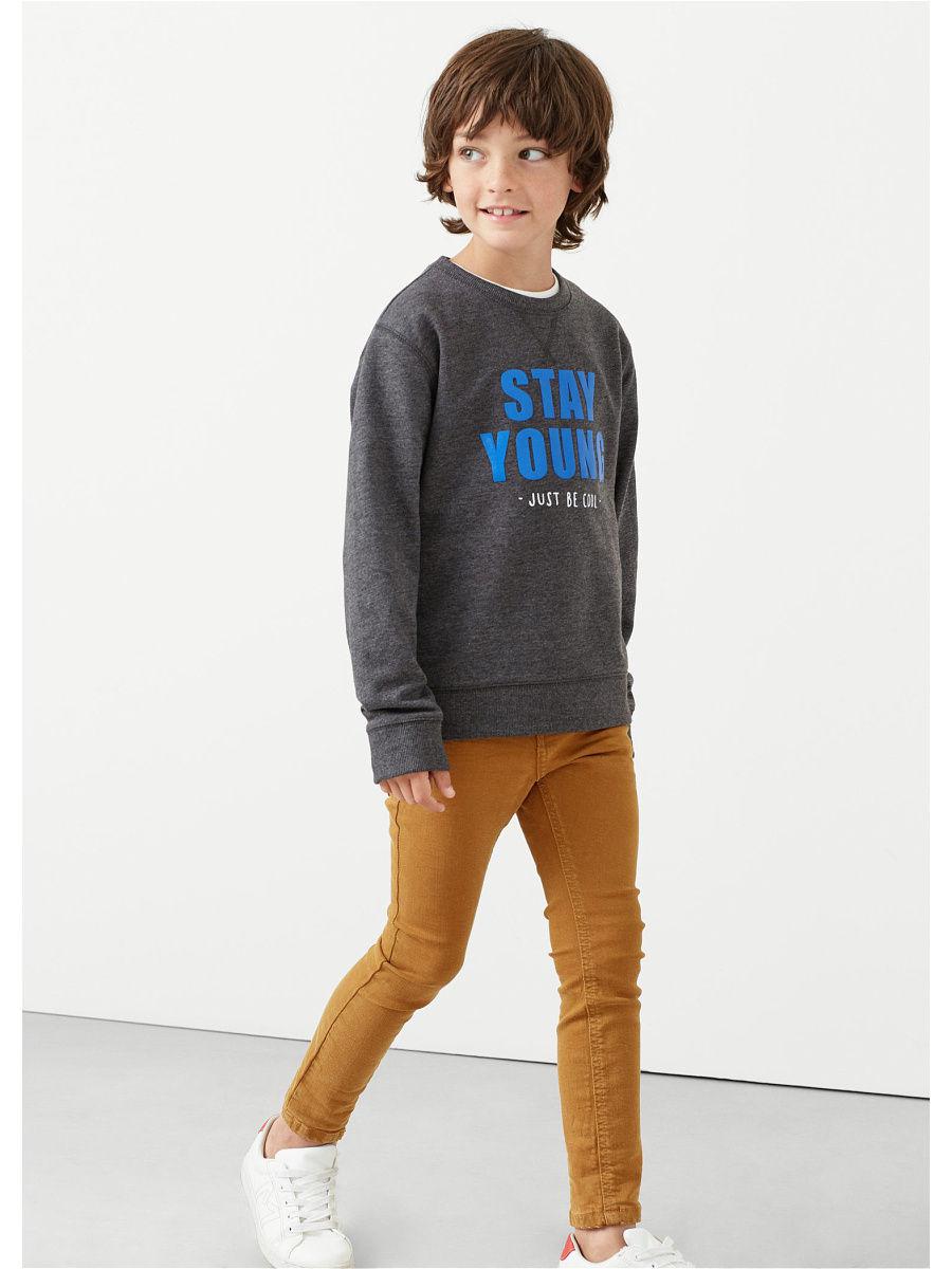 Мальчики-подростки не мыслят своего гардероба без джинсов