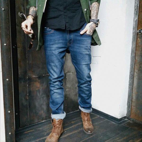 Модные укороченные мужские джинсы