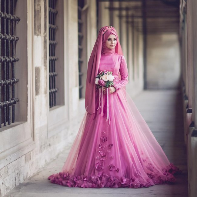 Мусульманское свадебное платье А силуэта