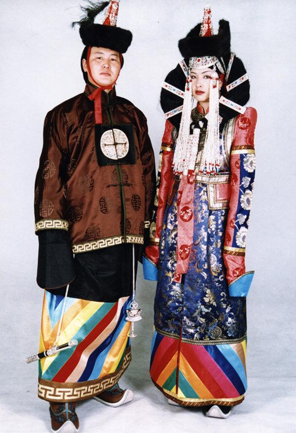 Национальный костюм Монголии